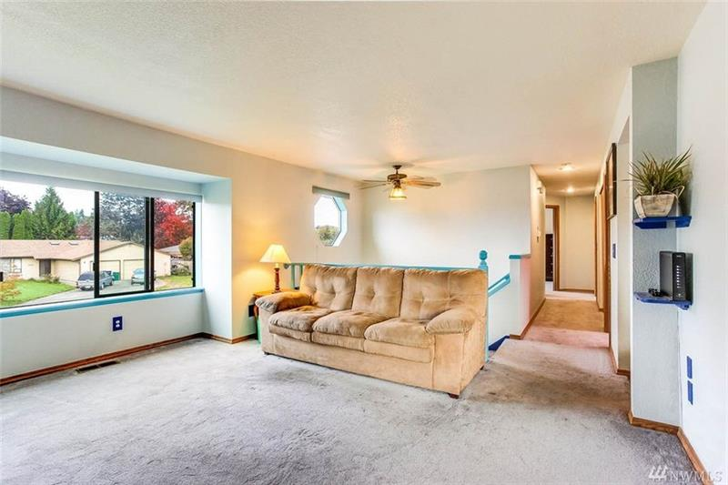 Photo of 329 Hawthorne Ave S, Pacific, WA, 98047