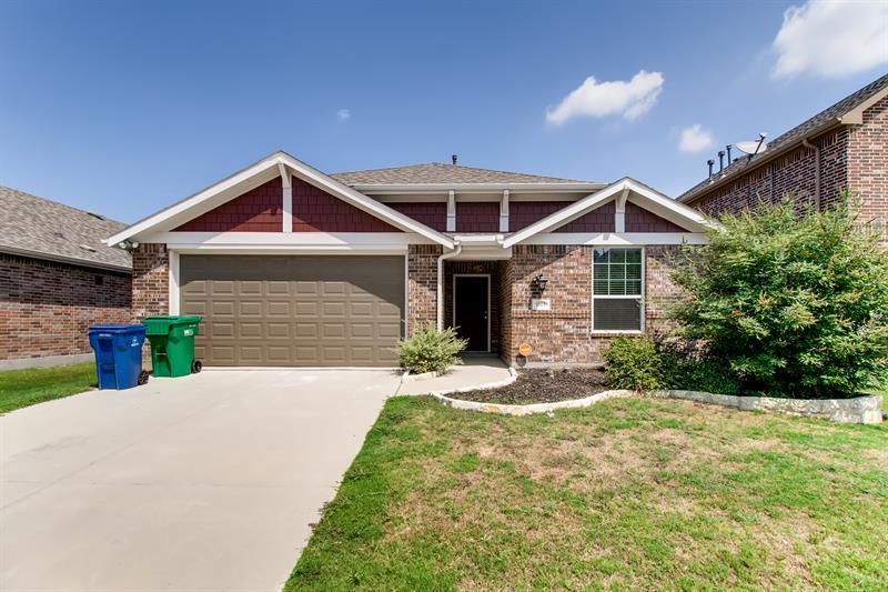 Photo of 1813 Ridge Creek Lane, Aubrey, TX 76227