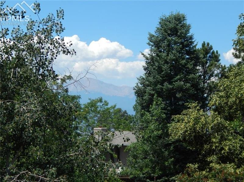Photo of 6074 Del Rey Drive, Colorado Springs, CO, 80918