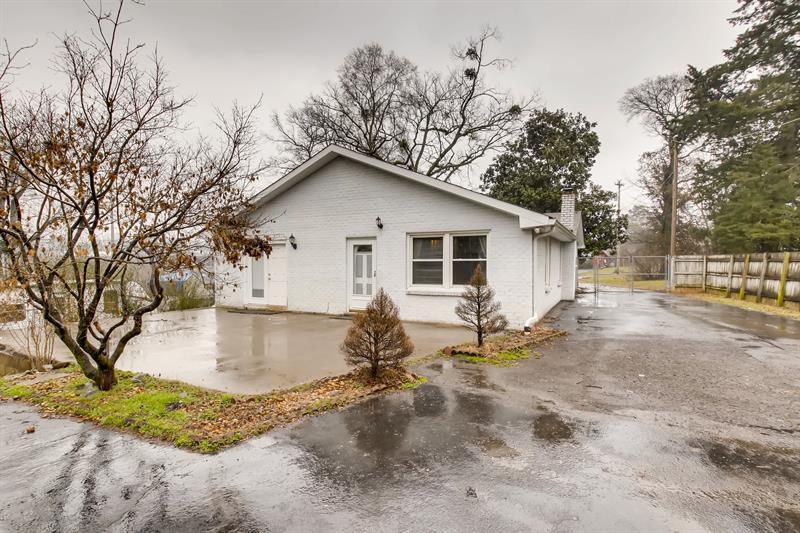 Photo of 106 River Rd, Hendersonville, TN, 37075