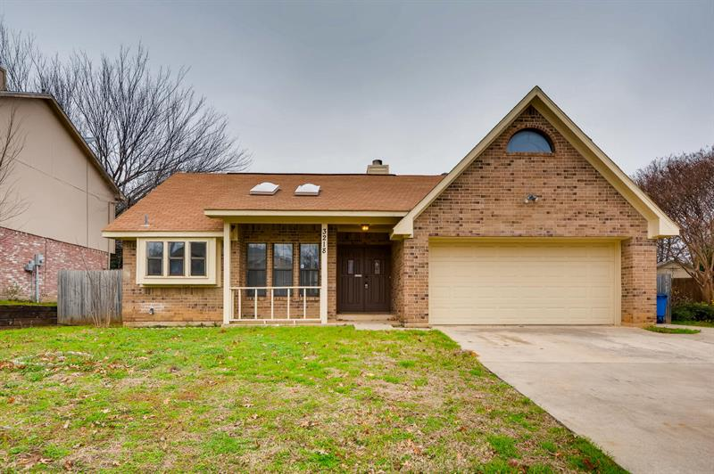 Photo of 3218 Meadowview Dr, Corinth, TX 76210
