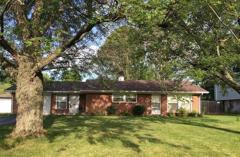 Photo of 474 Lawndale Dr, Greenwood, IN, 46142
