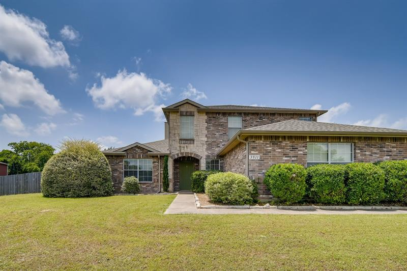 Photo of 3911 Alpha Way, Midlothian, TX, 76065