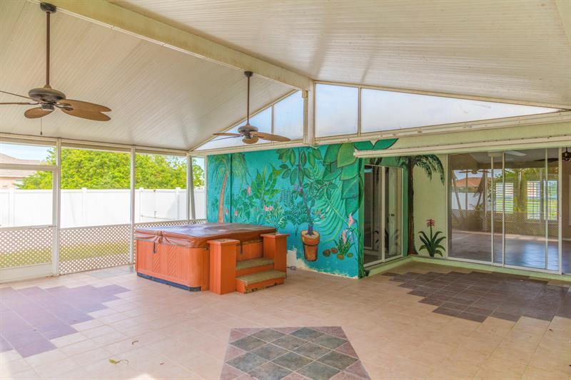 Photo of 2062 NE 20th Ln, Cape Coral, FL 33909