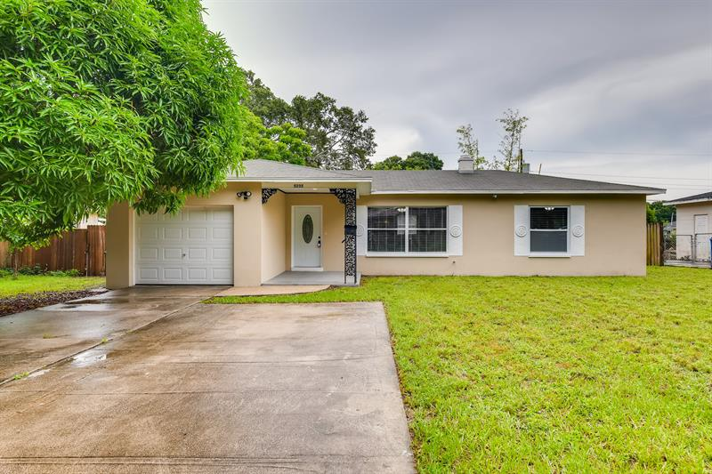 Photo of 5235 Robin Lane North, St Petersburg, FL 33714