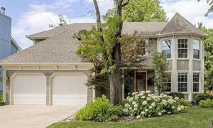 Home for rent in Lenexa, KS