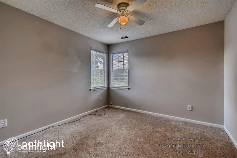 Photo of 2741 Robyns Glen Dr, Charlotte, NC, 28269