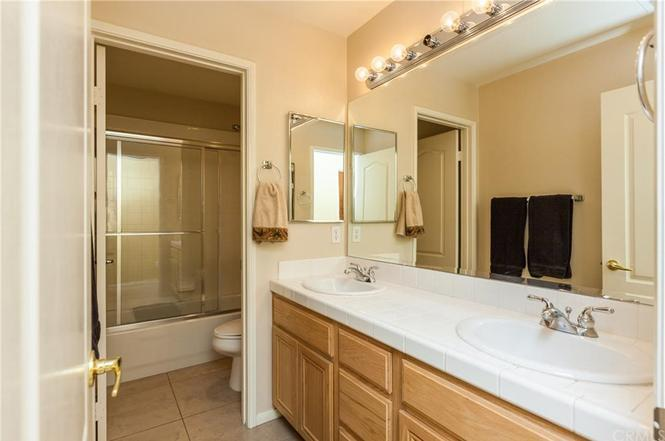 Photo of 23642 Applewood Pl, Murrieta, CA, 92562