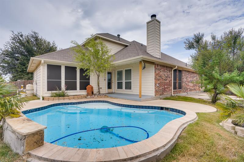 Photo of 305 Hidden Lake Court, Burleson, TX, 76028
