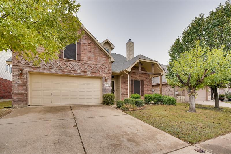 Photo of 1642 Hillside Dr, Waxahachie, TX, 75165