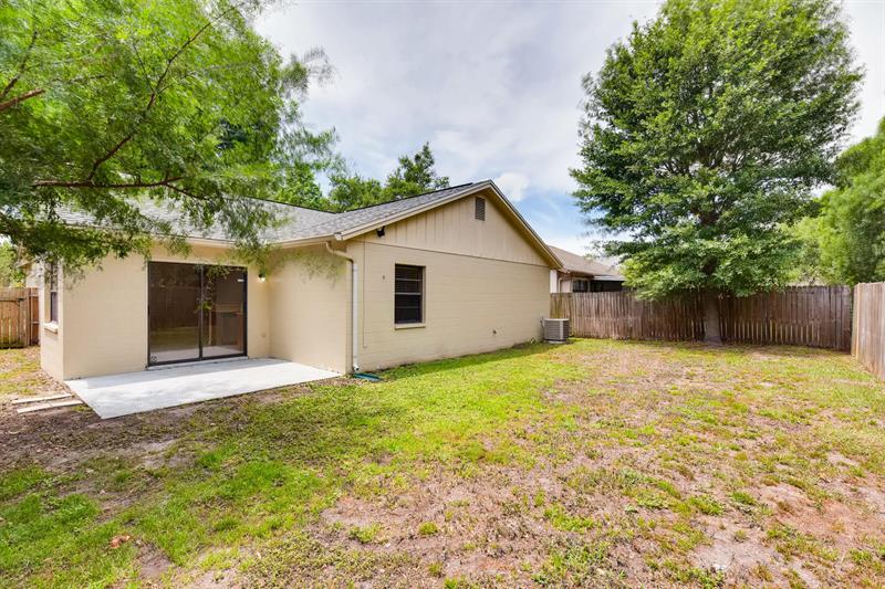 Photo of 1435 Tiverton Dr, Brandon, FL, 33511