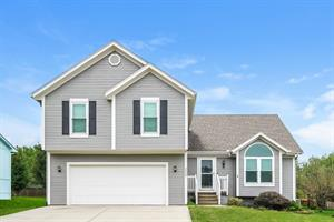 Home for rent in Lees Summit, MO
