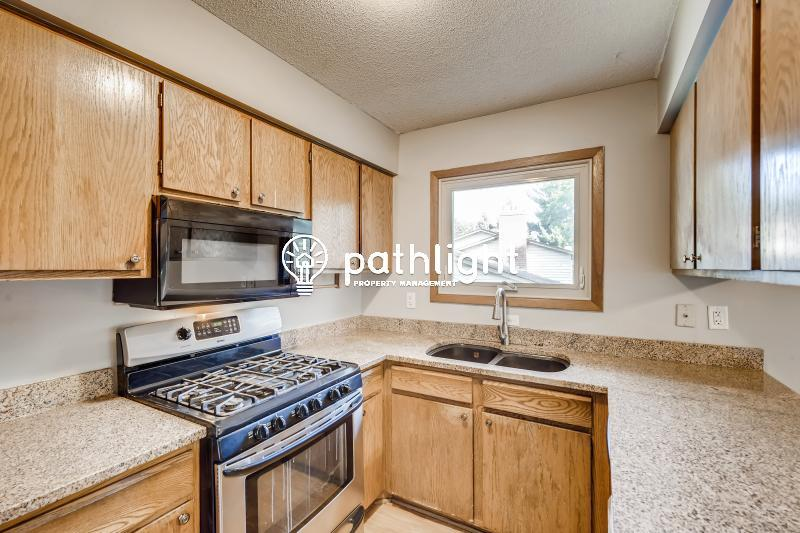 Photo of 10339 Concord Dr, Eden Prairie, MN, 55347