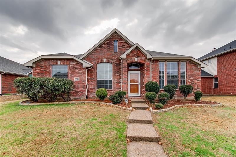 Photo of 5521 Rockwood Drive, The Colony, TX, 75056