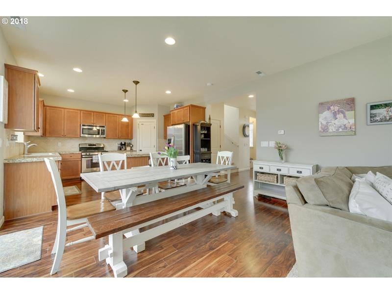 Photo of 204 North 38th Place, Ridgefield, WA, 98642