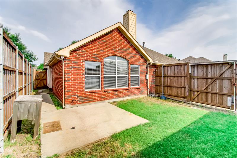 Photo of 6213 Apache Dr, The Colony, TX, 75056