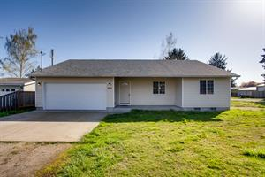 Home for rent in Lafayette, OR