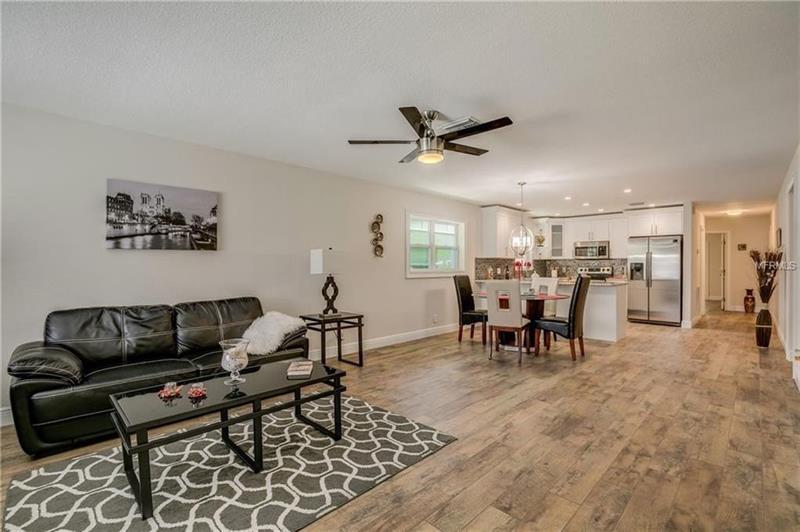 Photo of 679 Brook St NE, Largo, FL, 33770