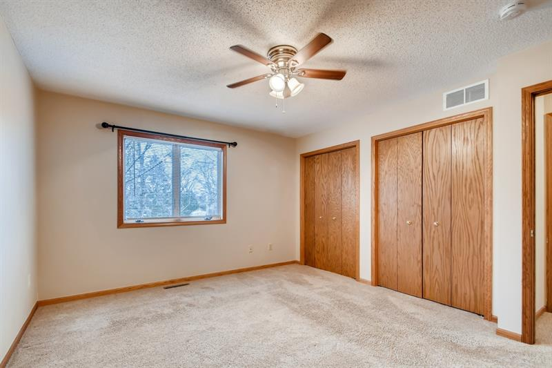 Photo of 439 Market St S, Shakopee, MN 55379