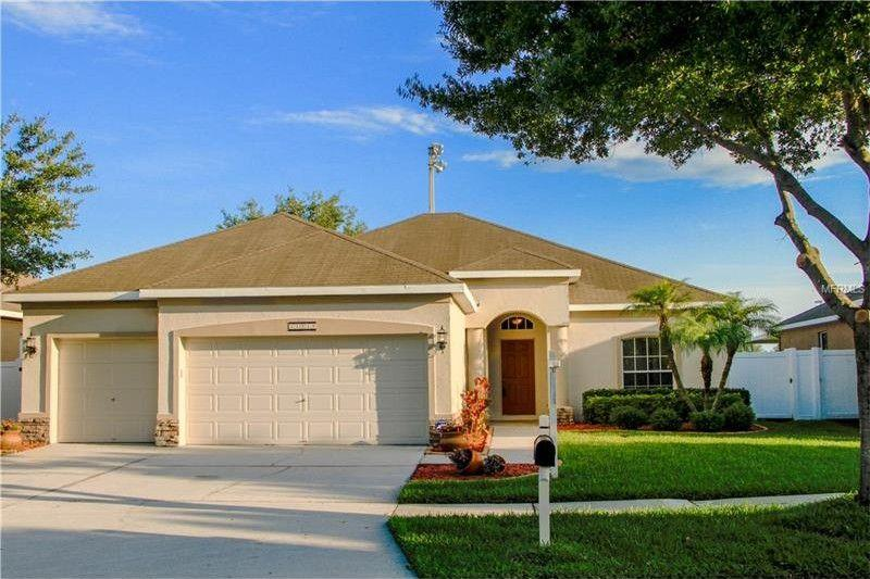 Photo of 11919 Summer Springs Dr, Riverview, FL, 33579