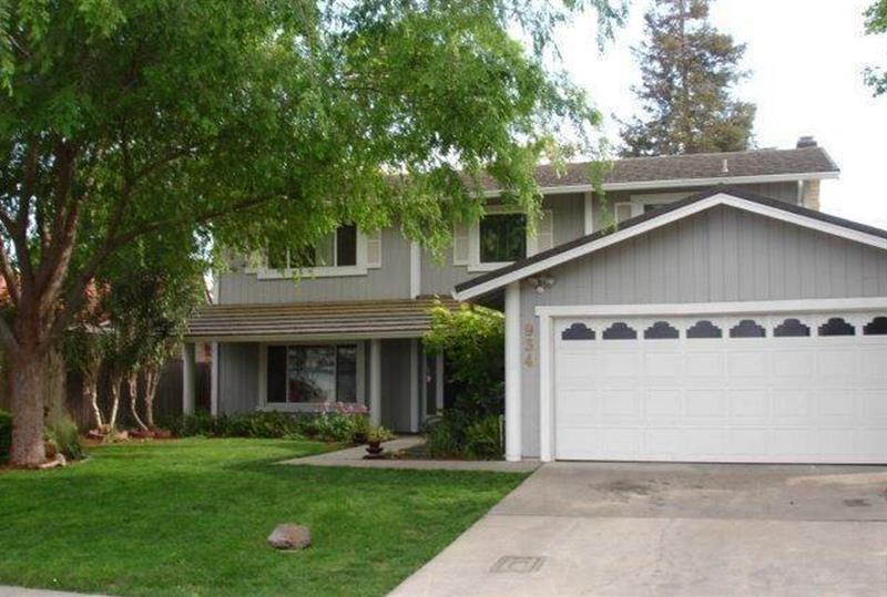 Photo of 934 Oakhurst Way, Stockton, CA 95209
