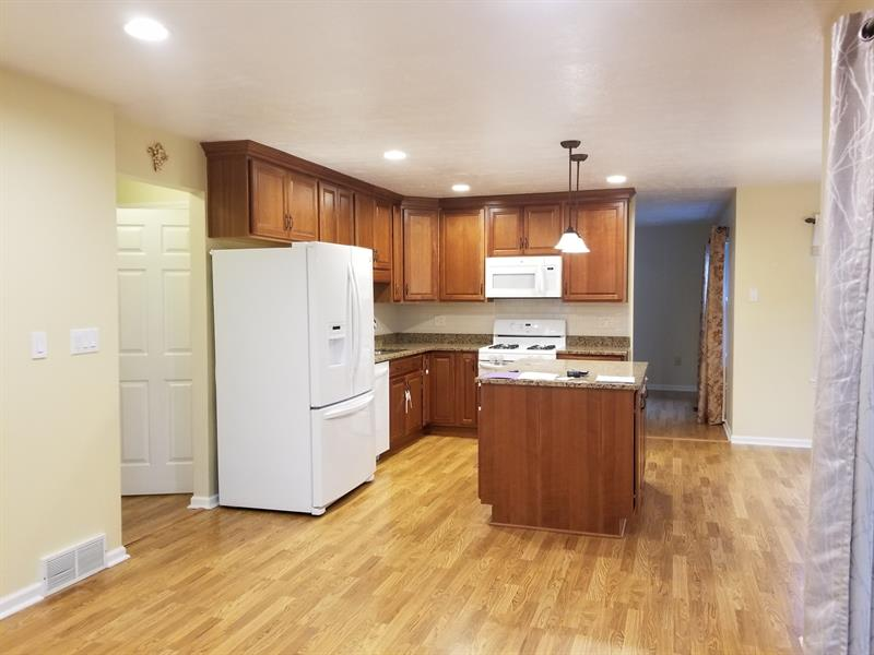 Photo of 211 Hummingbird Hill, Cranberry Twp, PA, 16066