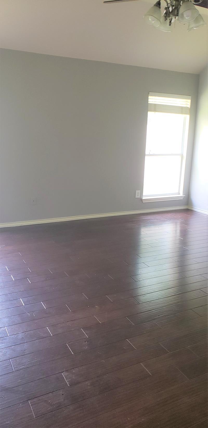 Photo of 10717 Elmhurst Ln, Fort Worth, TX, 76244