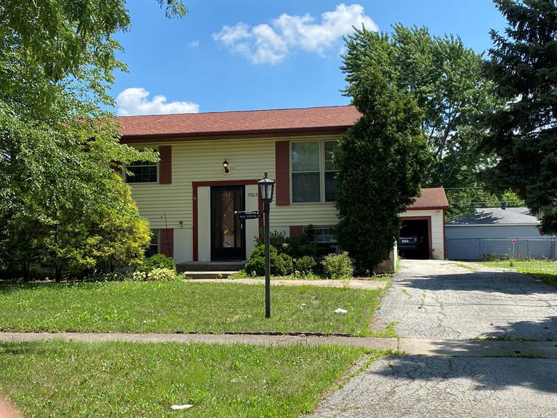 Photo of 19613 Redwood Lane, Mokena, IL, 60448