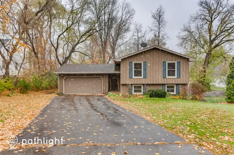 Photo of 12505 26th Ave N, Plymouth, MN, 55441