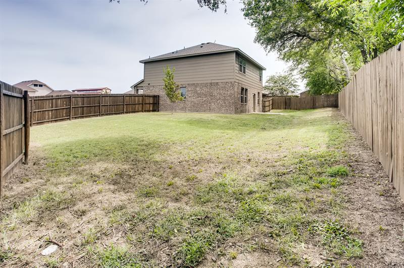 Photo of 1003 Hoylake Court, Ennis, TX 75119