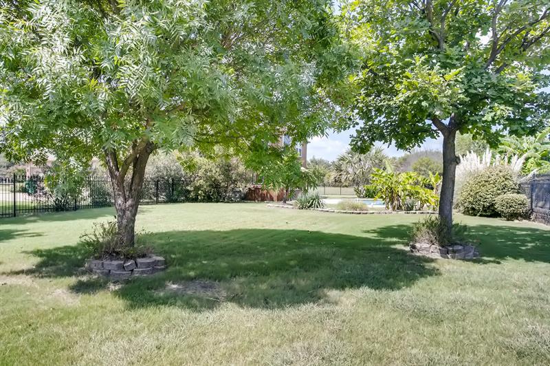 Photo of 4 Foxborough Ct, Heath, TX 75032