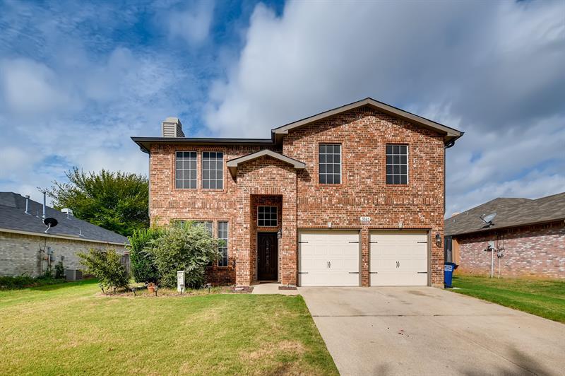 Photo of 3305 Poseidon Drive, Corinth, TX, 76210