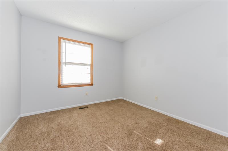 Photo of 10200 Garnett St, Overland Park, KS, 66214