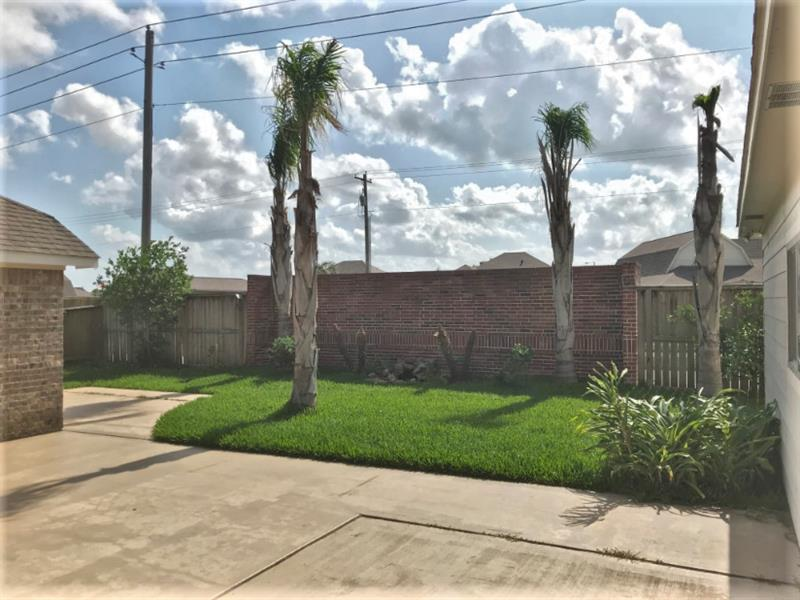 Photo of 2314 Hopi Dr, League City, TX, 77573