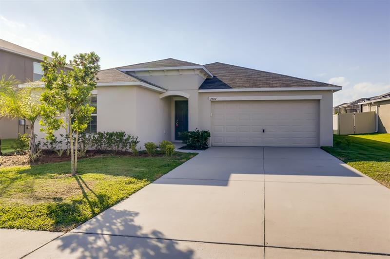 Photo of 2207 4th Street Southwest, Ruskin, FL, 33570
