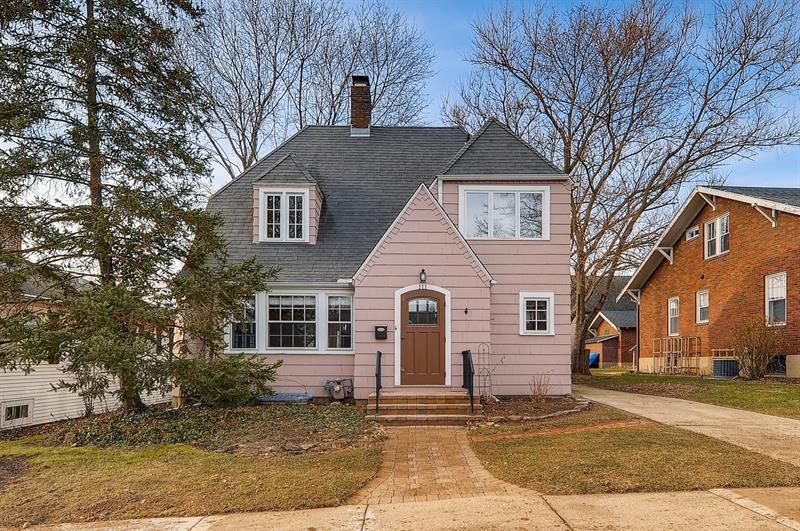 Photo of 111 N 4th Ave, St Charles, IL 60174