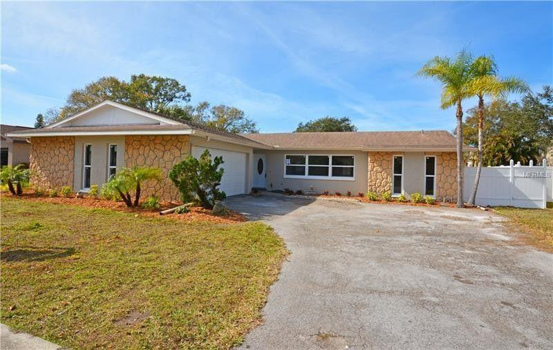 Photo of 14994 Cromwell Drive, Clearwater, FL 33764