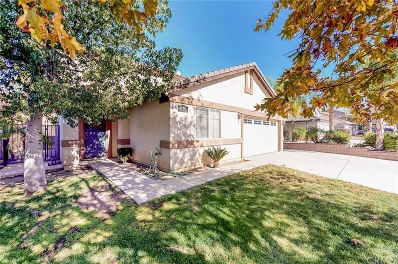 Photo of 31760 Canyon Ridge Drive, Lake Elsinore, CA, 92532