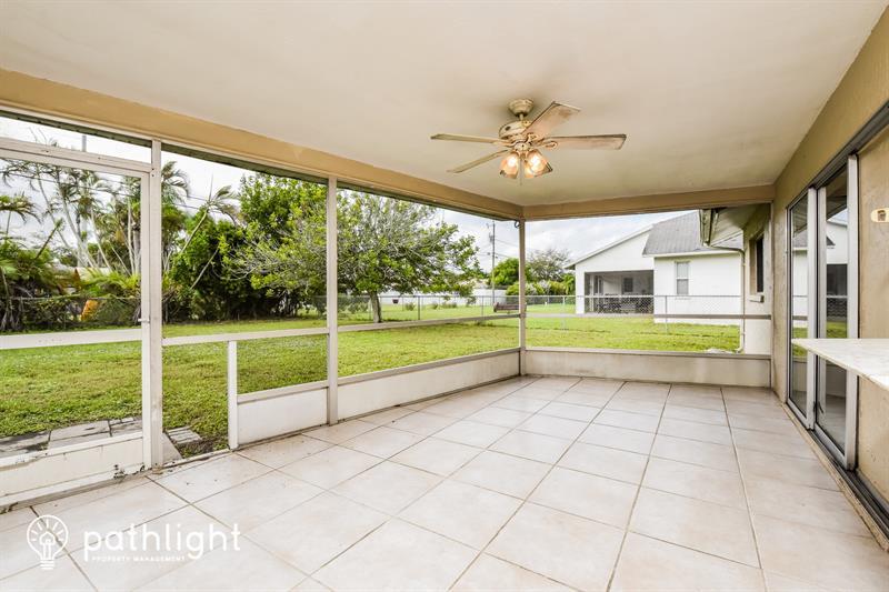 Photo of 214 SE 7th St, Cape Coral, FL, 33990