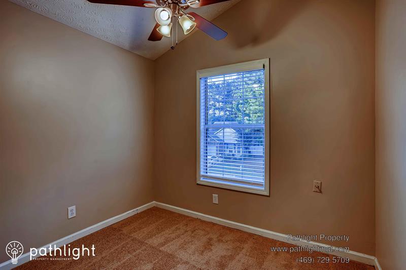 Photo of 140 Knight Way, Fayetteville, GA, 30214