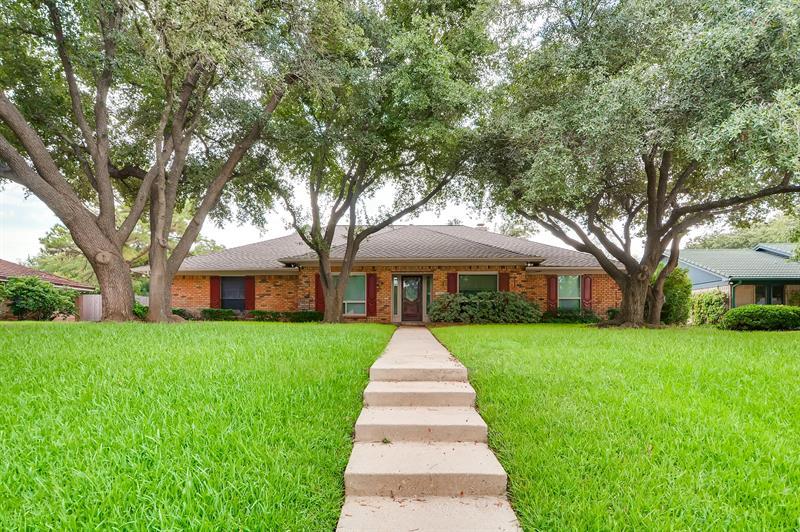 Photo of 1700 Wimbleton Drive, Bedford, TX, 76021