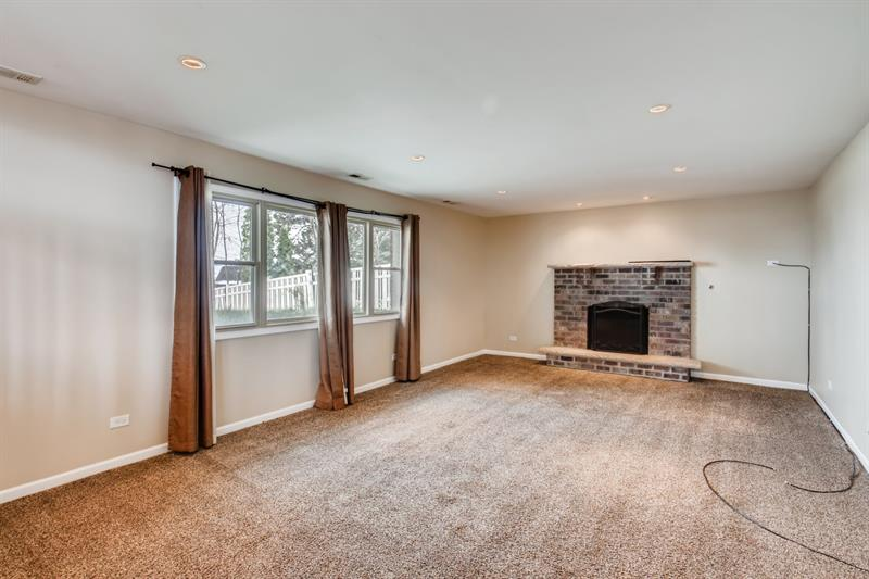 Photo of 8525 Carriage Ln, Tinley Park, IL, 60487