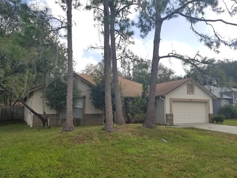 Photo of 5718 Erhardt Dr, Riverview, FL, 33578