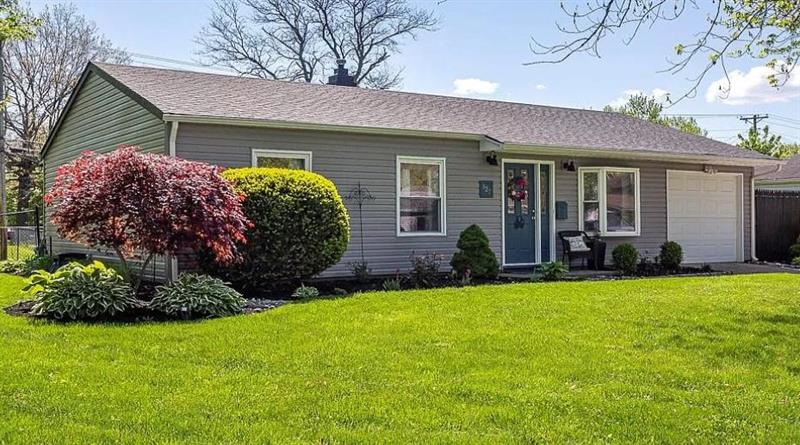 Photo of 827 N Noble St, Greenfield, IN, 46140
