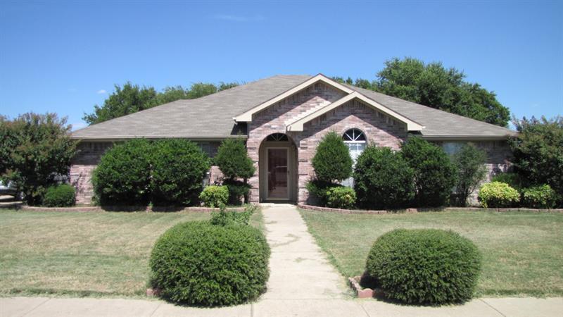 Photo of 6420 Sun Crest, Midlothian, TX, 76065