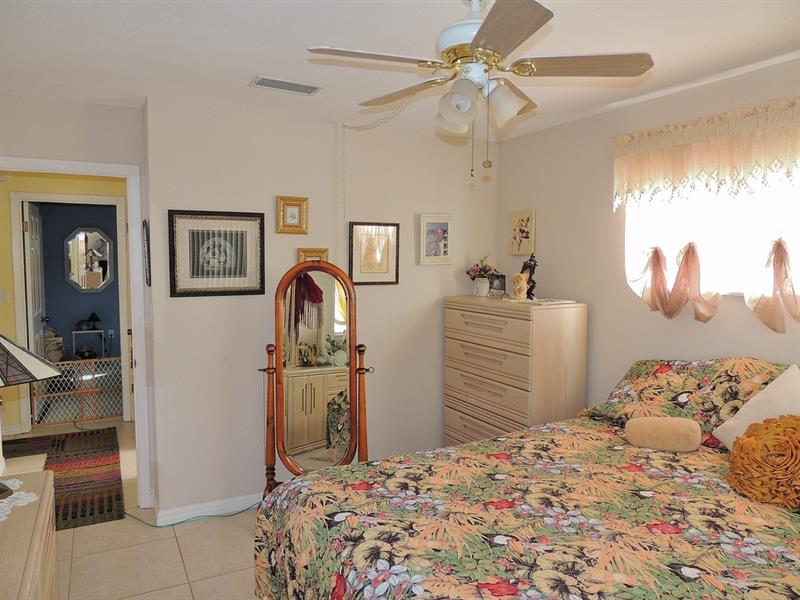 Photo of 765 Larkview St, Merritt Island, FL, 32953