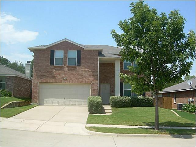 Photo of 3411 Clydesdale Drive, Denton, TX 76210