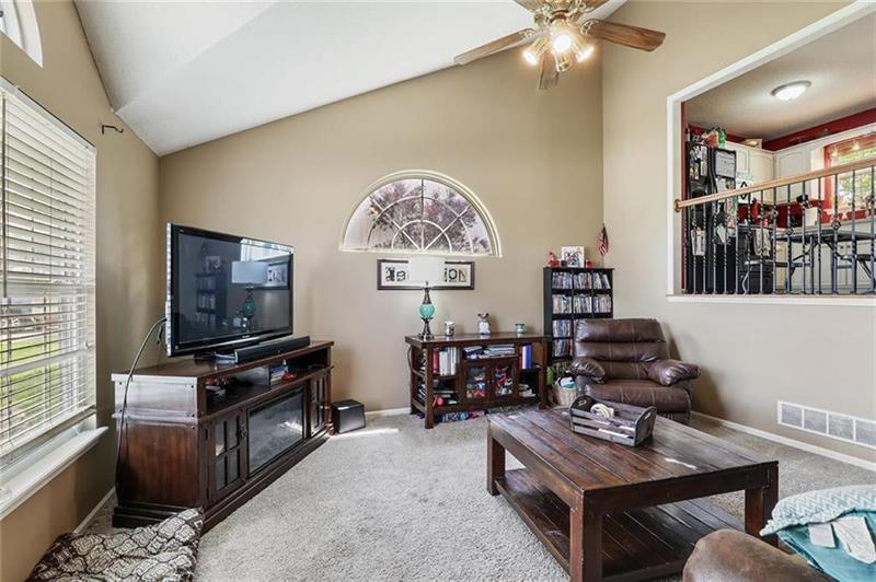 Photo of 327 Shenandoah Drive, Raymore, MO, 64083