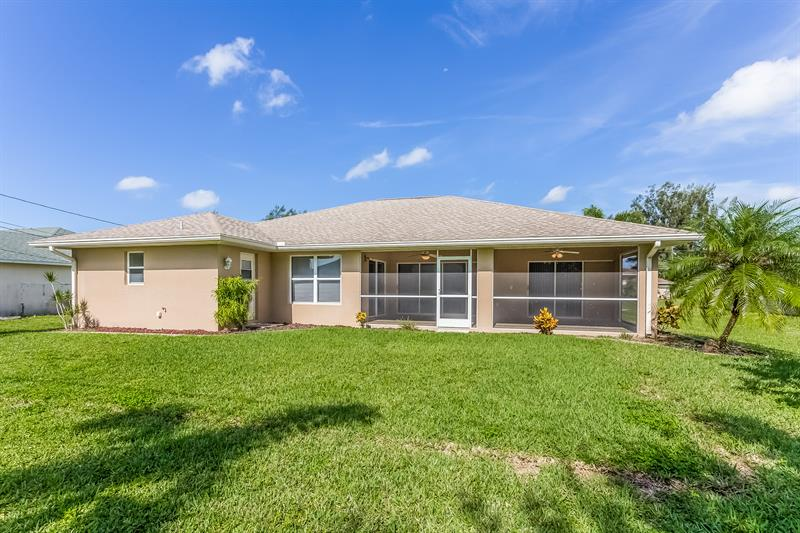 Photo of 3025 SW 4th Place, Cape Coral, FL 33914