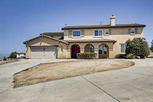 Home for rent in Riverside, CA